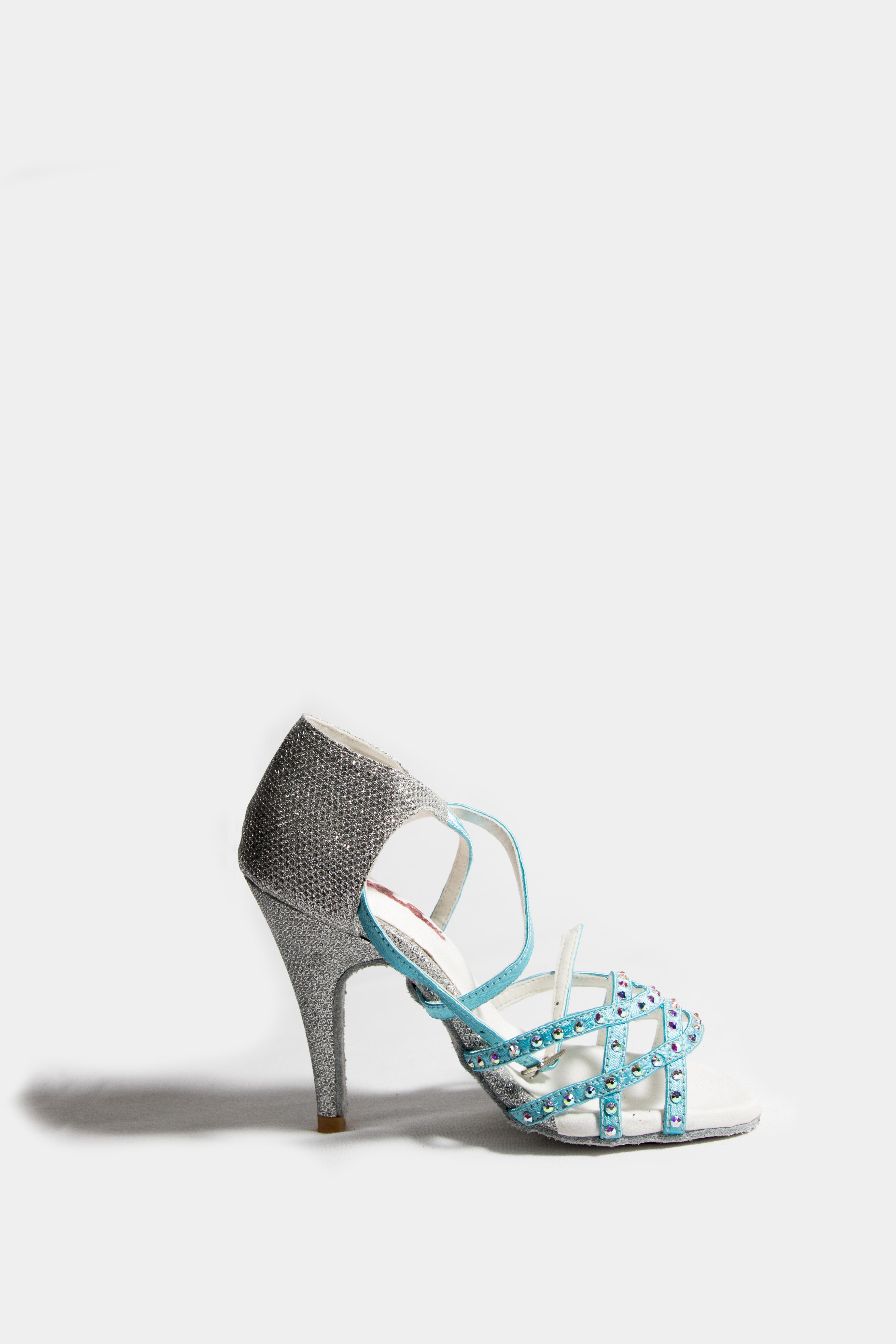 selección de zapatos de baile latino